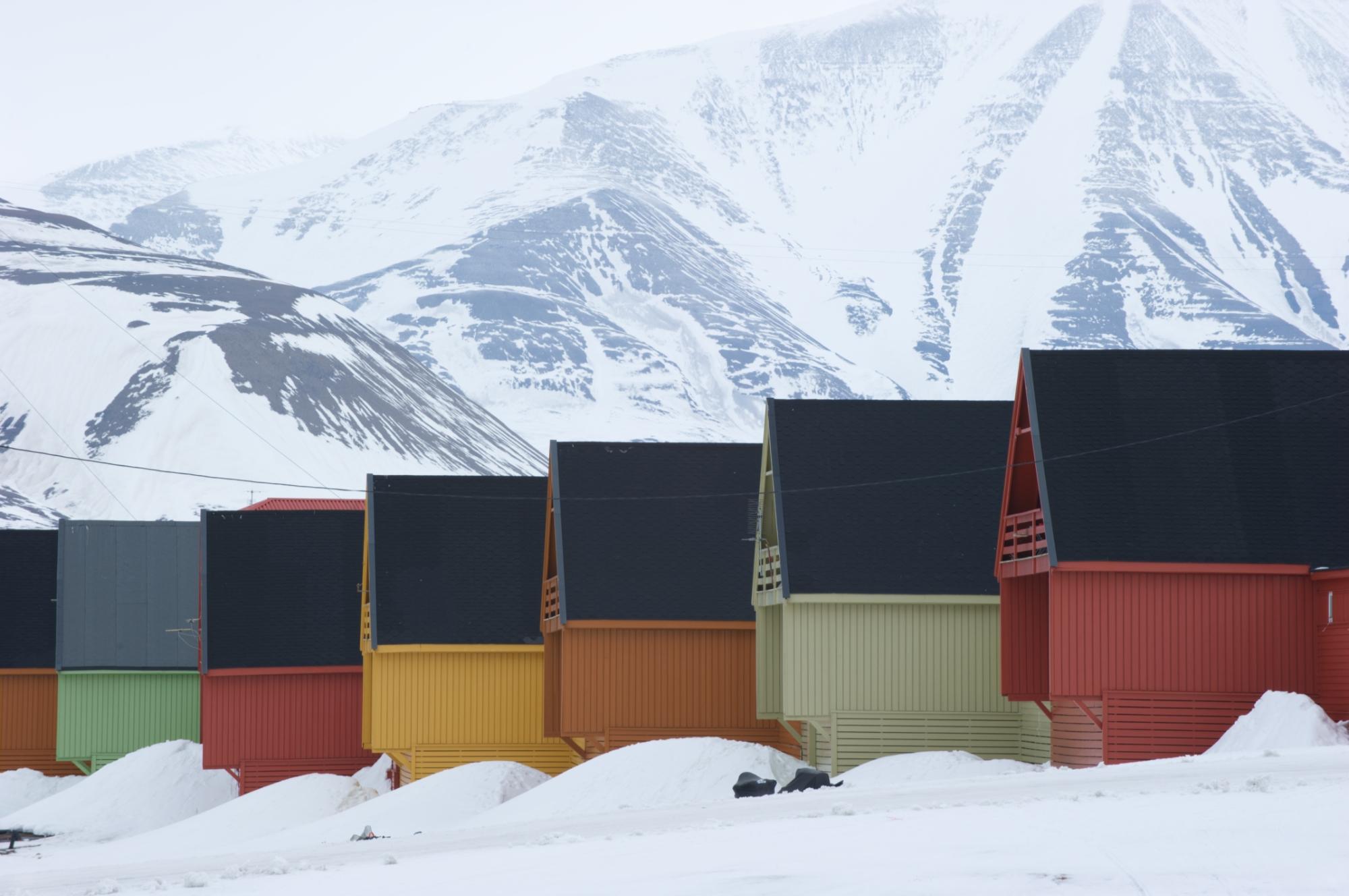 Spisshusene i Longyearbyen. Foto Torbjørn Johnsen